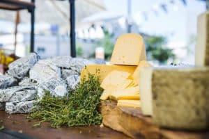 נוי קייטרינג - דוכן גבינות